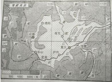 读四川盆地地形图完成7-8题
